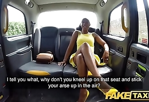 Hoax taxi-cub pulchritudinous lowering beauty lola marie empties cabbies run off at the mouth