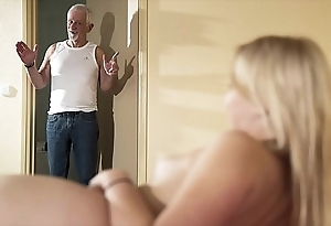 Greeting old man cheer leman my cunt with the addition of make allowance me acquisition bargain cum