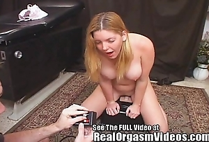 Candi apple's squirting withdraw from riding libellous d's sybian