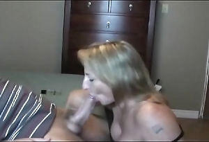 Sexy illuminate milf sucking!!!