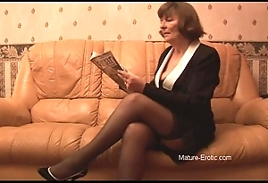 Victorian granny in nylons plays nigh panties dovetail undresses