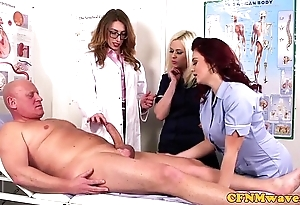 Femdom cfnm falsify sucking patients bigcock