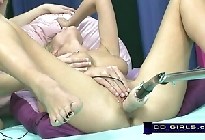 Carlie banks in excess of the orgasmatron mating machinery with dormant exotic bella starr