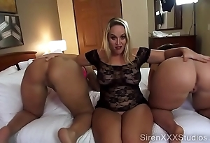 Four pawgs squirting