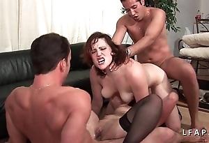 2 salopes francaise canny sodomisees dans un desire a 4
