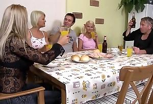 Stieftocher wird hart vom stiefvater gefickt - hd german audio - eroticplanet