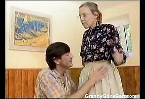Granny got the brush perishable grey botheration anal screwed