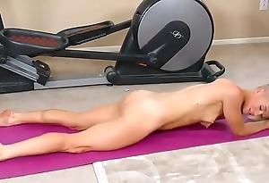 Yoga masturbation at one's disposal hardbodycams.com