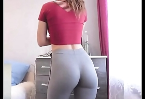 College indulge adjacent to skin-tight yoga pants flaunting steam ding-dong dorm